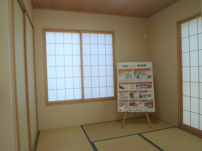 LDKに続く4.5帖の和室は、玄関ホールから直接入れます。